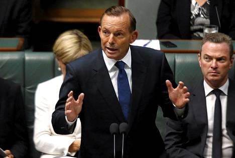 Australian pääministeri Tony Abbott puhumassa maan parlamentissa helmikuun 23. päivä.