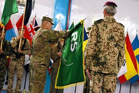 Amerikkalainen kenraali John Campbell  Afganistanissa päättyneessä ISAF-operaation päätöstilaisuudessa Kabulissa sunnuntaina.