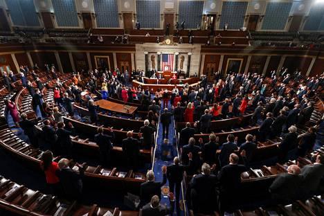 Uudet edustajat aloittivat Yhdysvaltain kongressissa 3. tammikuuta.