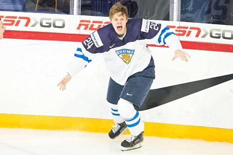 Kasperi Kapanen juhli alkuvuodesta nuorten maailmanmestaruutta Helsingissä pelatuissa kisoissa.