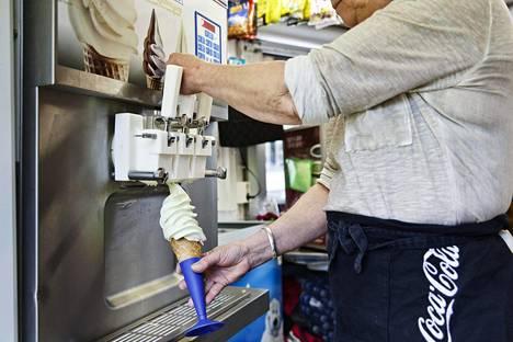 Heinäkuun alkupuolen sääennusteet lupaavat huonoa jäätelönmyyjille.