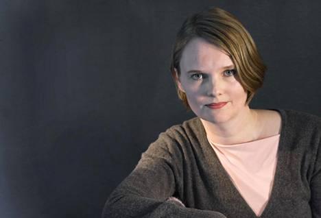 Satu Taskinen voitti Helsingin Sanomien kirjallisuuspalkinnon 2011 esikoisromaanillaan Täydellinen paisti.