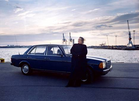 Helena Ylänen kuvattuna keväällä 2005. Valokuvan on ottanut Malla Hukkanen, joka on Suomen käytetyimpiä elokuvien stillkuvaajia.