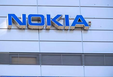Keskiviikkona Nokian osake kallistui New Yorkin pörssissä 40 prosenttia.