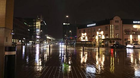 Helsingin keskustasta ei enää varata pysyviä paikkoja ruokarekoille.