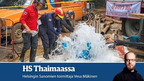 Putkea rakentavat työntekijät kävivät kastelemassa vedessä kätensä ja painamassa buddhalaisen tavan mukaan päänsä.