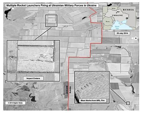 USA:n mukaan kuvassa Venäjän puolella maassa näkyy raketinheitinten käytöstä syntyneitä jälkiä ja Ukrainan puolella ammusten aiheuttamia kuoppia.
