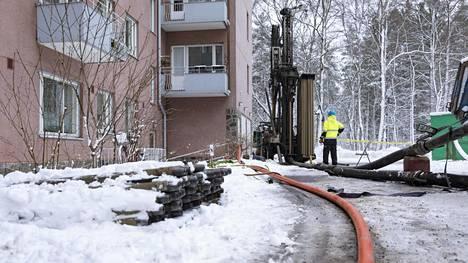 Taloyhtiö Mannerheimintiellä Helsingissä siirtyy kaukolämmöstä maalämpöön. Lämpökaivojen porausta tammikuussa.