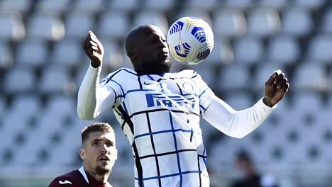 Terveysviranomaiset päästivät Internazionalen belgialaistähden Romelu Lukakun maajoukkueen mukaan kahden negatiivisen koronatestituloksen jälkeen.
