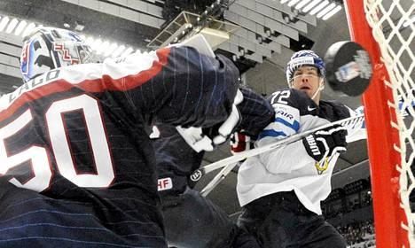Joonas Donskoi ohjasi Suomen avausmaalin Slovakiaa vastaan.
