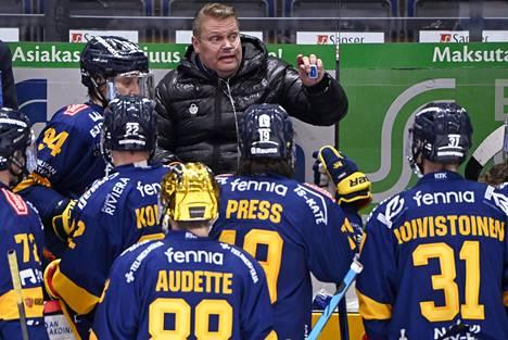 Pekka Virran valmennusura jatkuu SaiPassa.