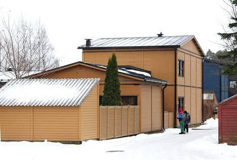 Kahden järvenpääläisen taloyhtiön, eli Tanhupirtin ja Tanhupuiston julkisivu-urakan valvonnassa oli puutteita.