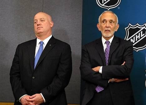 NHL-pomot Bill Daly ja Bob Batterman.
