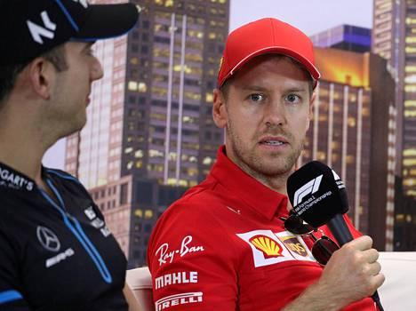 Ferrarin Sebastian Vettel puhui Melbouernessa 12. maaliskuuta tiedotustilaisuudessa ennen kuin kauden avauskilpailu peruttiin.