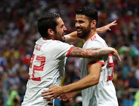 Isco ja Diego Costa juhlivat voittomaalia.