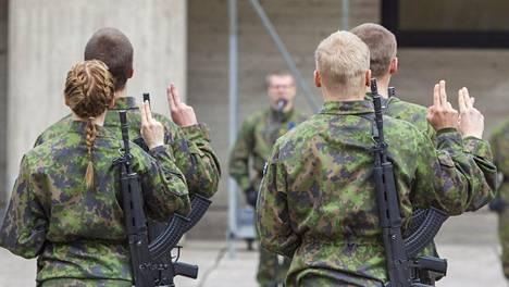 Sotilasvala Kainuun prikaatissa toukokuussa 2015.