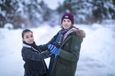 Tomas Heinonen ja hänen tyttöystävänsä Meryem Arslantas olivat harjoitelleet vanhojen tansseja varten etäyhteydellä kolme kertaa viikossa.
