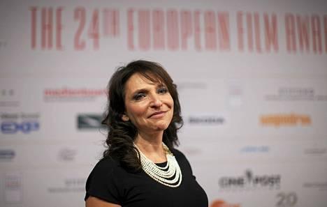 Susanne Bier saapumassa palkintogaalaan Berliinissä.