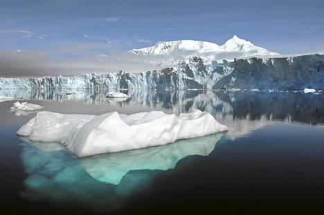Tutkijat useista brittiläisistä yliopistoista ovat tuottaneet yksityiskohtaisen kuvan Etelämantereen alle syntyvistä kanavista.