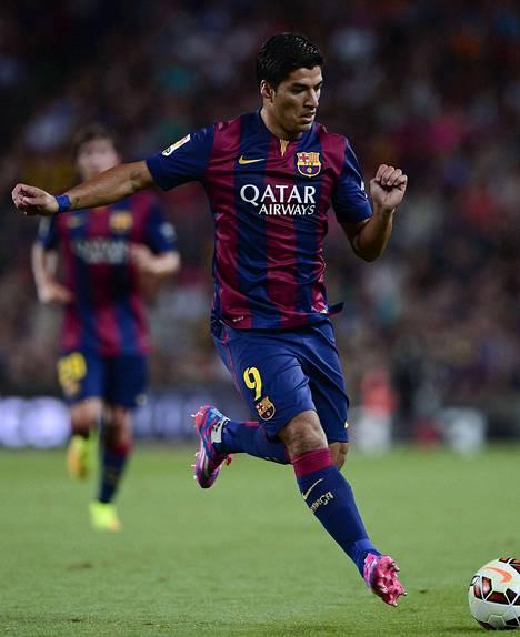 Luis Suárez ei saa pelata alkukaudesta Barcelonassa, sillä hän sai MM-turnauksessa neljän kuukauden pelikiellon.