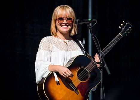 Anna Puu eli Anna Puustjärvi joukkoineen kävi tekemässä neljättä levyään Amerikassa asti.