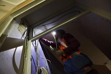 Sähköasennustöitä koskeva viikon lakko hidastaa rakennusten valmistumista.