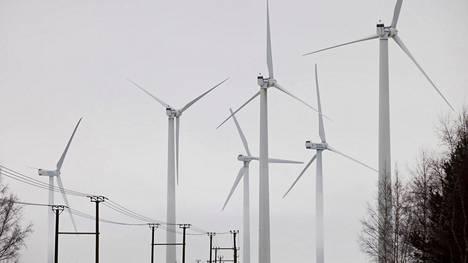 Tuulivoiman tuotantoa Oulunsalon Riutunkarissa.
