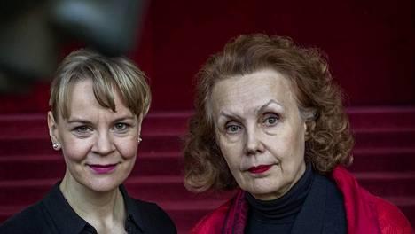 Susanna Mälkki ja Kaija Saariaho New Yorkin Metropolitan -oopperassa.