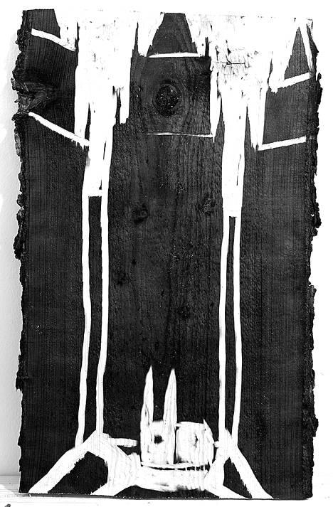 Pasi Erik Karjula tekee veistosten lisäksi graafisia reliefejä.