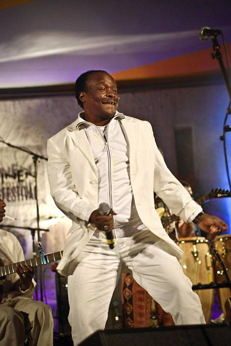 Mory Kanté esiintyi Kaustinen Folk Music Festival -tapahtumassa Kaustisella heinäkuussa 2008.