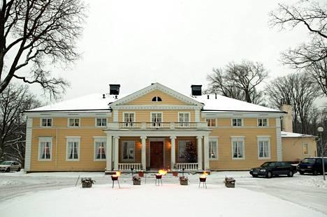 Ministerit pitävät strategiakokoustaan Königstedtin kartanossa Vantaalla.