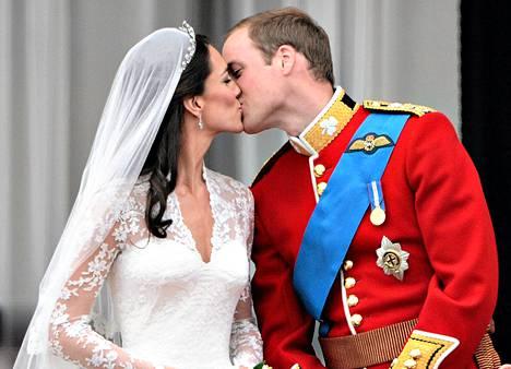 Prinssi William ja hänen puolisonsa Catherine viettävät lauantaina häidensä vuosipäivää.