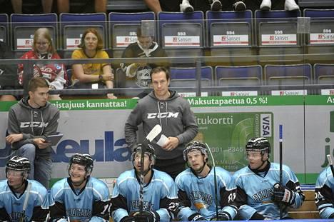 Pelicansin päävalmentaja Ville Nieminen johti joukkueensa voittoon Raumalla Pitsiturnauksessa.