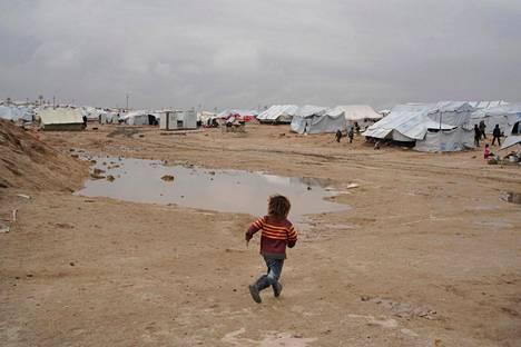HS vieraili joulukuussa kurdien ylläpitämällä al-Holin leirillä Koilis-Syyriassa. Leirillä asuu paljon lapsia.