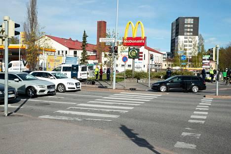 Pyöräilijä jäi kuorma-auton yliajamaksi toukokuussa Herttoniemessä.