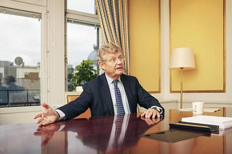 Jacob Wallenberg on sukunsa sijoitusyhtiön Investorin hallituksen puheenjohtaja. Investorilla on sijoituksia 11 pörssiyh tiössä, joista yksi on Wärtsilä.