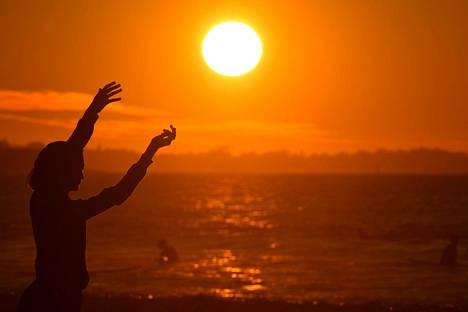 Aurinkoa kannattaa ottaa ensi kesänä vain joka toinen päivä.