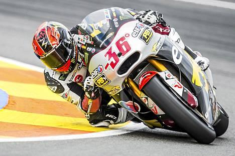 Mika Kallio oli Moto3-luokan aika-ajon yhdeksäs Valenciassa.