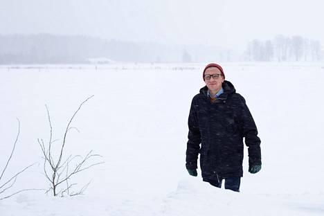 """""""Venäjän muutos on jo meneillään. Aika tekee karua jälkeä, ja valta vaihtuu sukupolvelle, joka ei perusta maailmankuvaansa vain Kremlin ykköstelevision antiin"""", professori Tomi Huttunen arvioi. Hänet kuvattiin kotikulmillaan Viikissä."""
