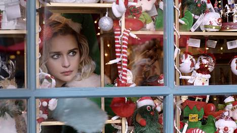 Emilia Clarke näyttelee Last Christmas -elokuvassa joulukrääsäkaupassa työskentelevää Katea.