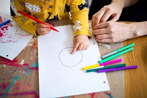 Koronakriisin jälkihoidossa tulisi STM:n työryhmän mukaan huomioida erityisesti lasten tarpeet.
