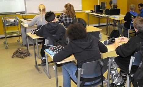 Sivistyspoliittinen ministerityöryhmä on päässyt sopuun peruskoulun tuntijaon uudistamisesta.