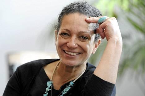 Toimittaja ja kirjailija Umayya Abu-Hanna.