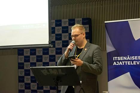 Toni Jalonen puhui perussuomalaisten nuorten syyskokouksessa Riihimäellä viime marraskuussa.