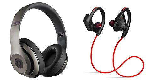 Langattomia kuulokkeita löytyy eri kokoluokissa.