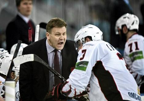 Raimo Summanen KHL-liigan ottelussa keväällä 2012.