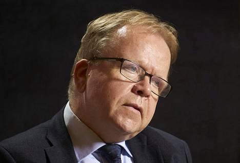 Oikeusministeriön kansliapäällikön Pekka Timosen mukaan pandemian paheneminen tuli ministeriölle yllätyksenä.