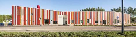 Painiityn päiväkodissa Espoossa värit on tuotu julkisivuun. Päiväkoti on valmistunut vuonna 2015.