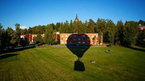 Kuumailmapallolentomme starttasi Mäntsälän urheilupuistosta. Laskeutumispaikka on aina arvoitus, sillä palloa ei voi ohjata.