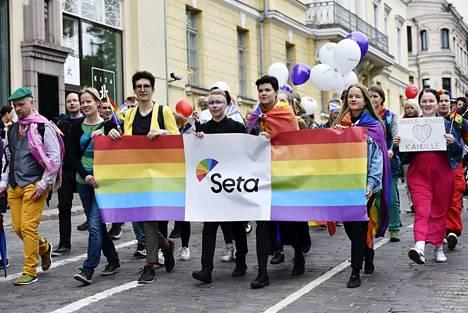 Setan osasto marssi Helsinki Pride -kulkueessa Helsingissä 1. heinäkuuta 2017.